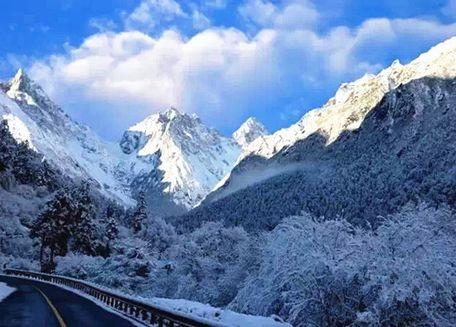 雪后的毕棚沟一样美丽冻人 冬季出行攻略看过来